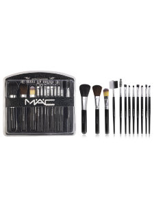 Набор кистей M.A.C Perfect Foundation Make Up Brush